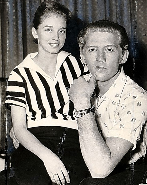 Jerry Lee Lewis 39 and holding live